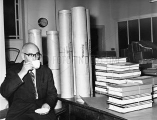 Ronald Marshbank guarding plans for Cunard Q4 liner  9 September 1964.