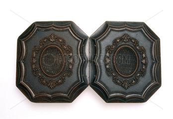 Octagonal shellac Union case  1851.
