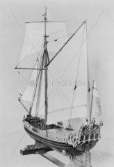 Stuart yacht. Stern quarter.