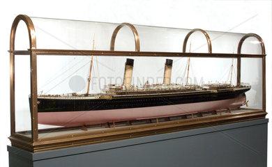 SS 'Oceanic'  model  c 1899.