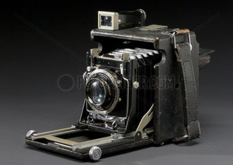 Graflex plate camera  c 1925.