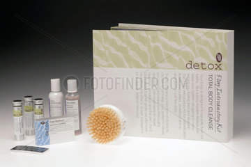 'Total body cleanse' detox kit by Boots  2003.