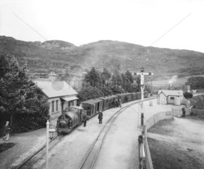 Passenger train at Tan-Y Bwlch Station  c 1909.