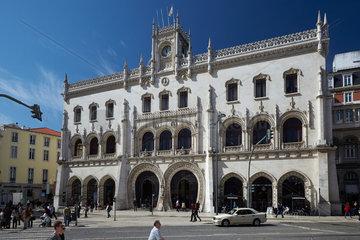 Lissabon  Portugal  Eingangsgebaeude des Bahnhof Lissabon Rossio