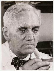 'Sir Alexander Fleming'  1945.