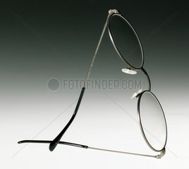 'Titan' type  titanium-alloy metal framed spectacles  1999.