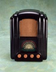 Ferranti model 746 AC/DC valve radio receiver  1946.