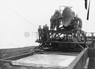 Artillery radar equipment being demonstrate