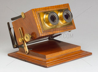 Achromatic stereoscope  1865-1875.