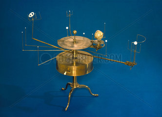 Drum model orrery  1813-1822.