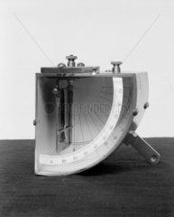 Portable gold leaf electroscope  Sir Willli