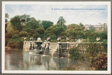 'London: Kensington Gardens  The Fountains'  c 1914.