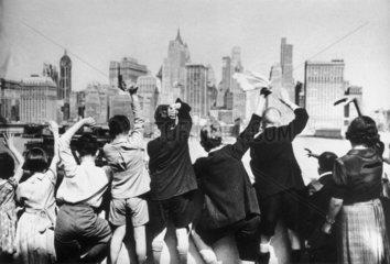 British evacuees arrive in New York  Second World War  17 July 1940.