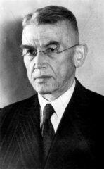Hans Busch  German physicist  1932.