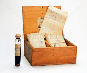 A medicine chest for cholera  English  1849-1900.