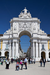Lissabon  Portugal  der Arco da Rua Augusta am Praca do Comercio