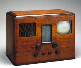 HMV television and radio receiver  model 905  1938.