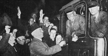 'Flying Scotsman' breaks the 100 mph mark  London  30 November 1934.