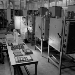 Valve production  Mullard Ltd  Mitcham 1955.