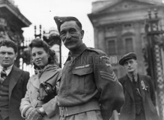 A member of the Home Guard  Buckingham Palace  8 May 1945.