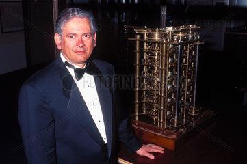 Raymond Khan  internet pioneer  1996.