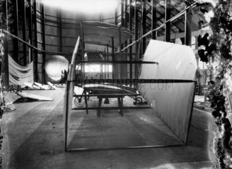 Cody Aeroplane No1  at an early stage of wing erection  1908.