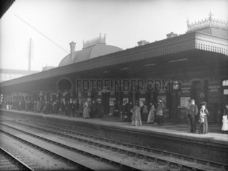 Commuters at the Great Western Railway's Slough Station  c 1907.
