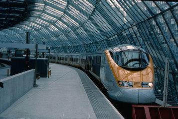 Eurostar at North end of platform 24  Water