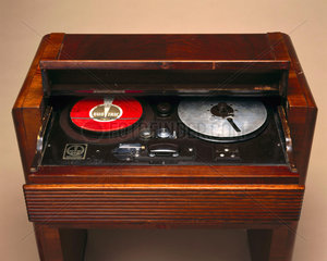 Duo-Trac 'Cell-o-Phone' optical tape player  c 1936.