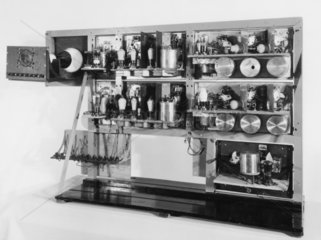 Apparatus used by R Watson Watt to detect radio echoes from aircraft  1935.