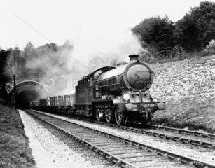 Class J39  0-6-0 steam locomotive No 2726 l
