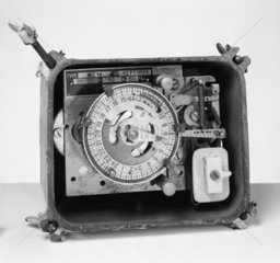 Time Switch  type WTIY no. 1271611  and cas