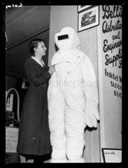 Asbestos suit  1936.