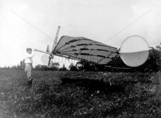 Percy Pilcher  English designer and glider aeronaut  flying the BAT  1890s.