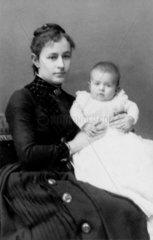 Elizabeth Hertz  wife of Heinrich Hertz  and their eldest daughter Johanne  1889.