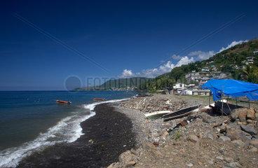 Massacre  Dominica  an der steinigen Kueste des Karibischen Meeres