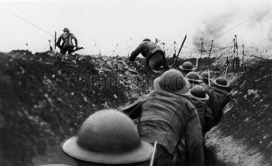 British soldiers going over the top  Western Front 1918.