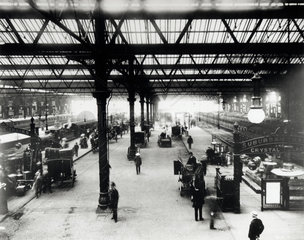 Victoria Station  London  c 1905.