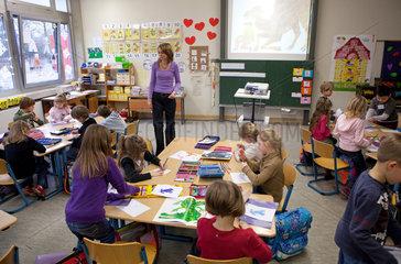 Solingen  Deutschland  Englischunterricht in der Grundschule