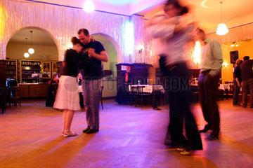 Berlin - Tanzstunde im Claerchen's Ballhaus