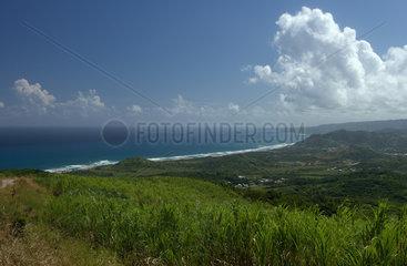 Cherry Tree Hill  Barbados  Blick vom Cherry Tree Hill zu den Sandstraenden