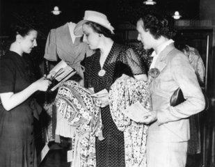 Women's wartime summer fashions.