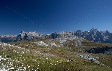 Compatsch  Italien  Blick vom Schlernhaus auf den Langkofel und Plattkofel