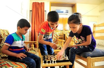 SYRIA-DAMASCUS-HOMELESS-KIDS