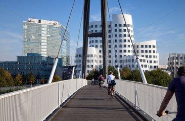 Duesseldorf  Deutschland  der Neue Zollhof im Medienhafen