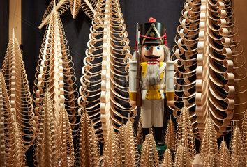 Frankfurt  Deutschland  Nussknackerfigur auf der Messe Christmasworld 2015