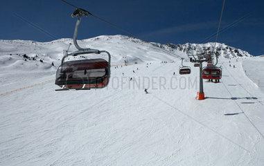 Valbella  Schweiz  Skilift im Skigebiet Staetzertaeli an der Alp Staetz
