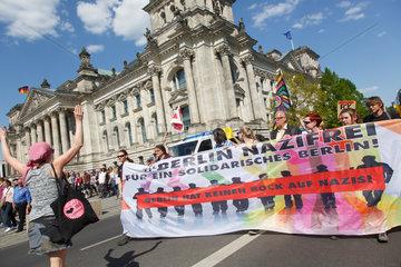 Berlin  Deutschland  Demonstration Berlin gegen Nazis
