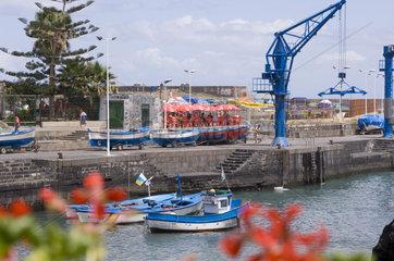 Puerto Cruz  Spanien  Boote im Hafen