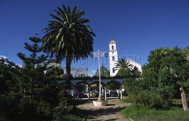 Chefchaouen  Marokko  Parkanlage auf dem Plaza Mohamed V